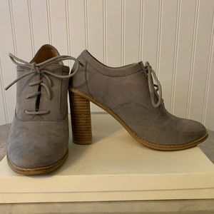 H&M Faux Suede Gray Lace Up Heels Size 8